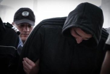 4 г. затвор за мъжа, ранил с бомбичка полицаи на футболен мач