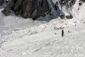 Извадиха четирима изпод лавината, паднала в Алпите