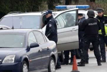СПЕЦАКЦИЯ! Щракнаха белезници на 21 души, конфискуваха голямо количество дрога
