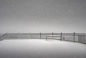 Черен сняг стресна жителите на сибирски град