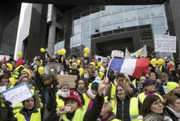 """""""Жълтите жилетки"""" във Франция отбелязват третия месец от началото на движението си"""