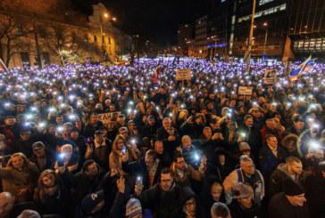 Хиляди почетоха паметта на убития разледващ журналист в Словакия