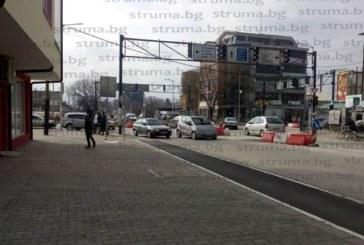 """Шофьор помете лекарка на кръговото при """"Зърнени храни"""" в Благоевград"""