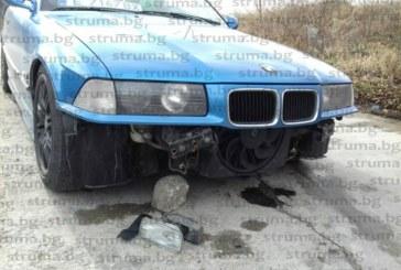Дупки-кратери по булевард в Сандански! Камък изпотроши колата на собственик на автосервиз, пътят осеян с брони и гуми