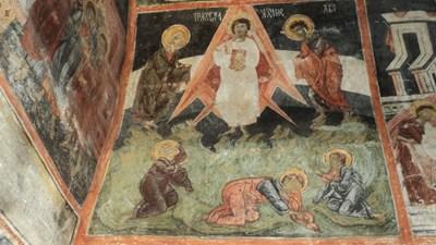 Църквата си взе от държавата уникалната черква в Добърско