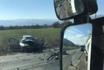 Смърт на Е-79! Тир удари челно лека кола и уби шофьора й на място
