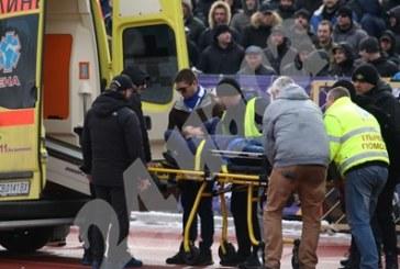 Кърваво дерби в София! Двама полицаи ранени, запалянко припадна на стадиона