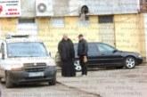 STRUMA.BG с подробности за мистериозната смърт на благоевградчанин в автомобил на свещеник! Беше много зловещо, тялото на мъжа се подаваше  от предната седалка, беше проснат…