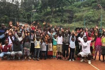 Гришо направи дарение за малки тенесисти в Африка