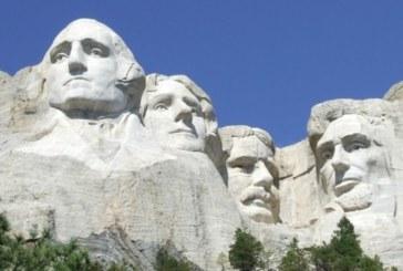 Богаташ търси планина за 15.5 млн, в която да издълбае лицето си