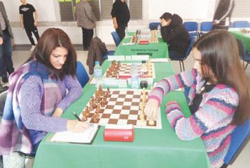 Дупничанка се класира за шахматния финал при жените