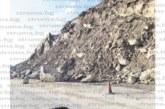"""Жител на Лебница със сигнал до АПИ: Обходният път Е-79 към Рибник е с опасни свличащи се камъни по платното, а при катастрофата на АМ """"Струма"""" целият трафик се пренасочи там"""