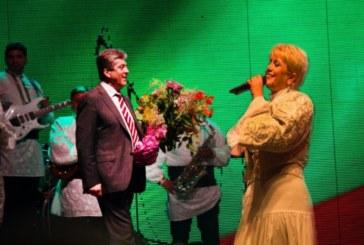 Николина Чакърдъкова вдига тежка сватба пред 300 гости, сред тях и  Георги Първанов