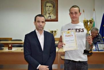 Плувният шампион на България Й. Янчев спортист на годината в Сандански, Антъни Иванов втори