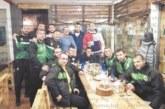 """Хандбалистите на """"Пирин"""" изненадаха главния треньор с торта за ЧРД"""