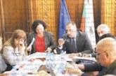 Кметът Г. Икономов пред членовете на парламентарната екокомисия: С над 1000 тона въглеводороден диоксид е замърсен Пирин за 6 месеца, еколозите да сметнат колко страда природата от автомобилните газове