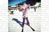 Благоевградската таекуондистка А. Ситнилска учи дъщеря си да кара сноуборд по пистите в Банско