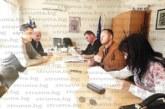 """Вечерната гимназия в Сандански се слива с ПГ """"Яне Сандански"""", проверка разкри – от записани 61 ученици нито един не е бил в час"""