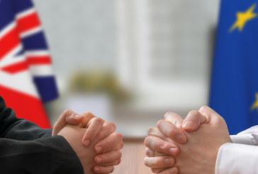 Шестима британски министри подават оставка