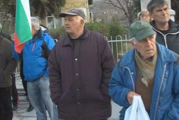 Жителите на с. Илинденци отново протестират срещу скъпата вода