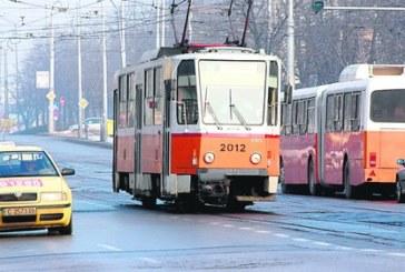 В Перник търсят 44 шофьори за градския транспорт в столицата, заплатите от 1300 до 1800 лв.