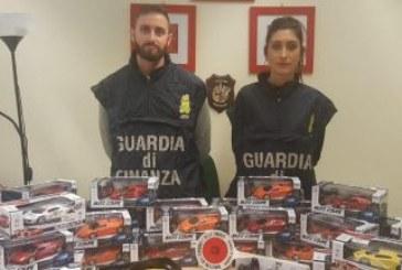 Задържаха българи за внос на над 50 000 контрабандни играчки в Италия