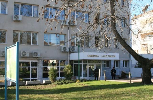 50 лв. глобата за хвърлен фас и 100 лв. за пране на килим на улицата в Сандански