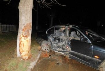 Три момчета пострадаха тежко при катастрофа, преди това безчинствали в Лозница