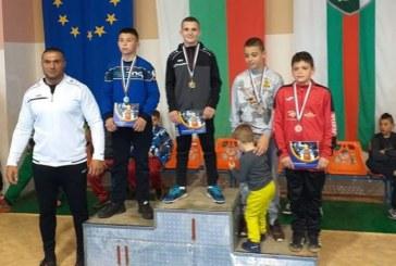 Малките борци от Сандански с две шампионски титли при свободняците