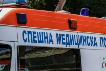 """Инцидент на """"Симеоновско шосе""""! Работник падна, докато монтира билборд"""