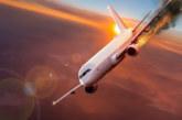 Самолет със 100 души на борда се запали при кацане