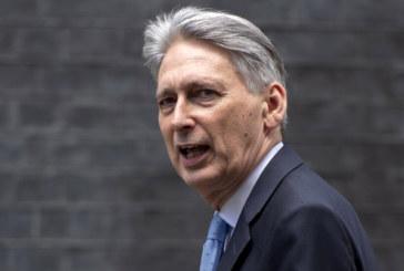 Британският финансов министър: Смяната на Мей няма да помогне за Brexit