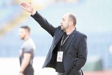 """Треньорът на """"Славата"""" Вл. Димитров: Не ми се говори, """"Литекс"""" си дойде със съдия в Радомир, сега пак"""