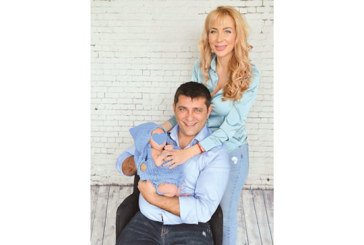 Перничанката Антония Петрова празнува първия имен ден на сина си
