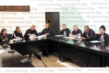 Голям интерес към поземлени имоти в благоевградските села!  Младо семейство овцевъди спечелиха 14 търга за 220 дка общинска земя