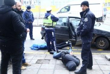Столични бандити готвели атентат срещу полицията, спипаха ги при опит да запалят сградата