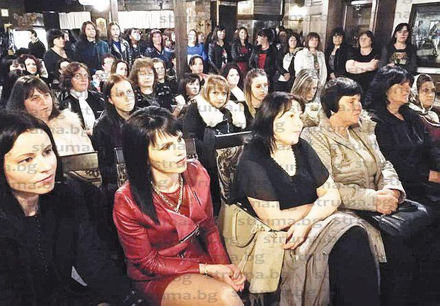 """Кметицата на Скребатно Д. Пидева оглави със 110 гласа """"за"""" Жени ГЕРБ в Гърмен"""