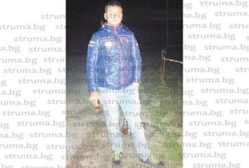 Единственият тийнейджър в селото със 100 жители Смочево запали клада от хвойна на мегдана и събра съселяните на Прошки