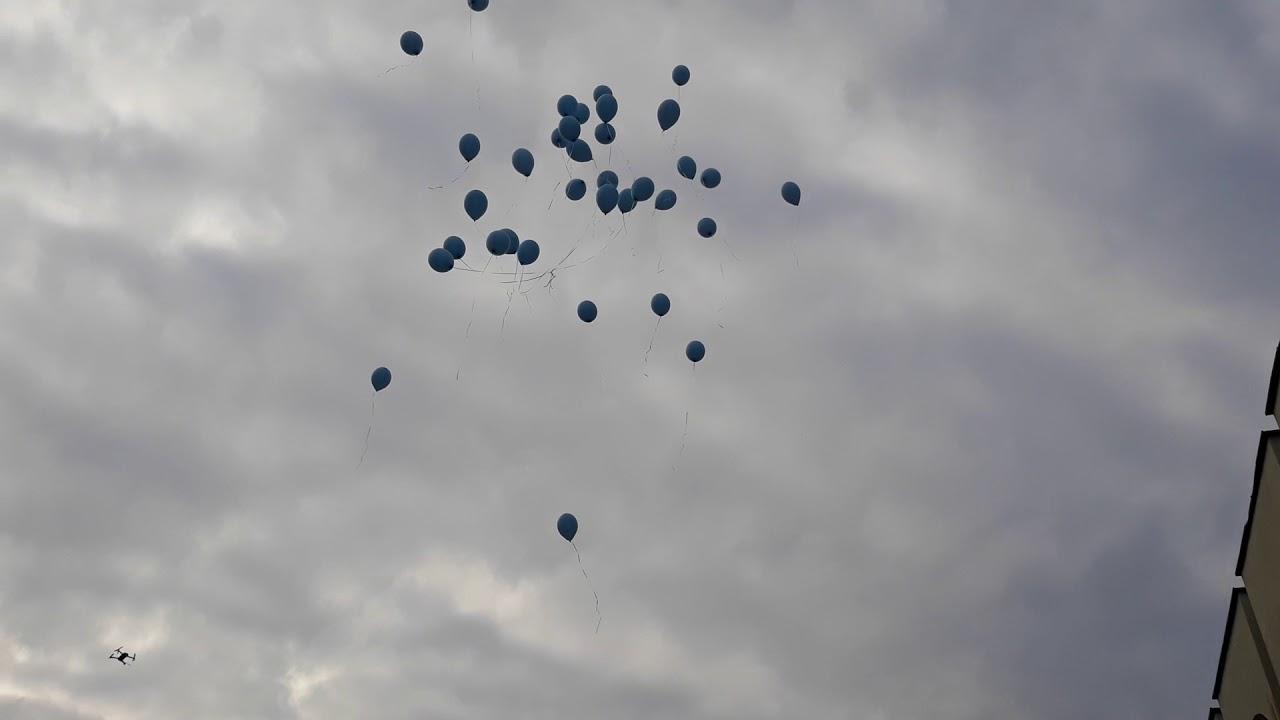 80 сини балона - символ на  напускането им  на системата, пуснаха в  Петрич медици