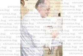 Шефът на АГ отделението в общинската болница в Дупница д-р Б. Попов напуска ръководния пост, остава редови лекар