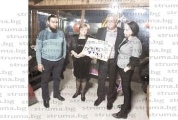 Фамилията на шефа на разсадника в Микрево Ив. Велков празнува три в едно – два рождени дни и имен ден на внучката Теодора
