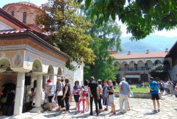 Изнасят чудотворната икона от Бачковския манастир