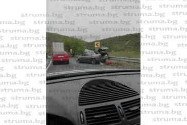 """Тир и лека кола в сблъсък на гара """"Пейо Яворов"""", транспортират ранен в болница"""