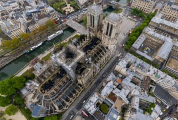 """Панорамна снимка показва ужасяващите щети от пожара в """"Нотр Дам"""""""