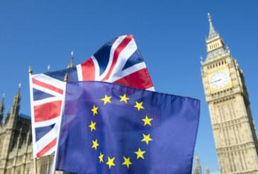 Британският парламент възобновява преговорите за Brexit