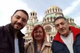 Ергенът Хекимян заживя с майка си и баща си