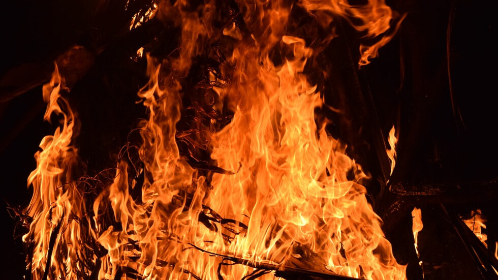 Пожар лумна в руски храм