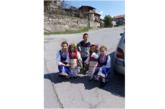 Малки лазарки пожелаха здраве и берекет в дупнишкото село Бистрица