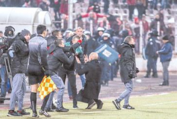 """Топреферът на Пиринско Ив. Стоянов каца от Англия на стадион """"Ивайло"""""""