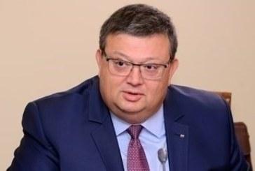 Цацаров разпореди проверки на имотите на Пламен Георгиев, съпругата на Лозан Панов и сина на Борислав Сарафов